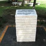 Emlékmű a Kastélyparkban